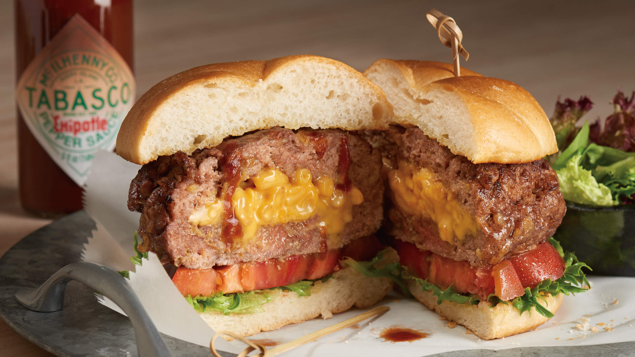 Mac & Cheese—Stuffed Burger